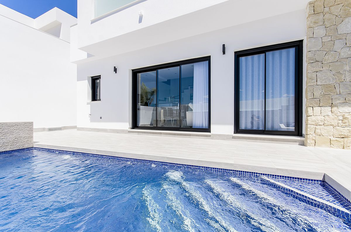 New built villa in Los Montesinos